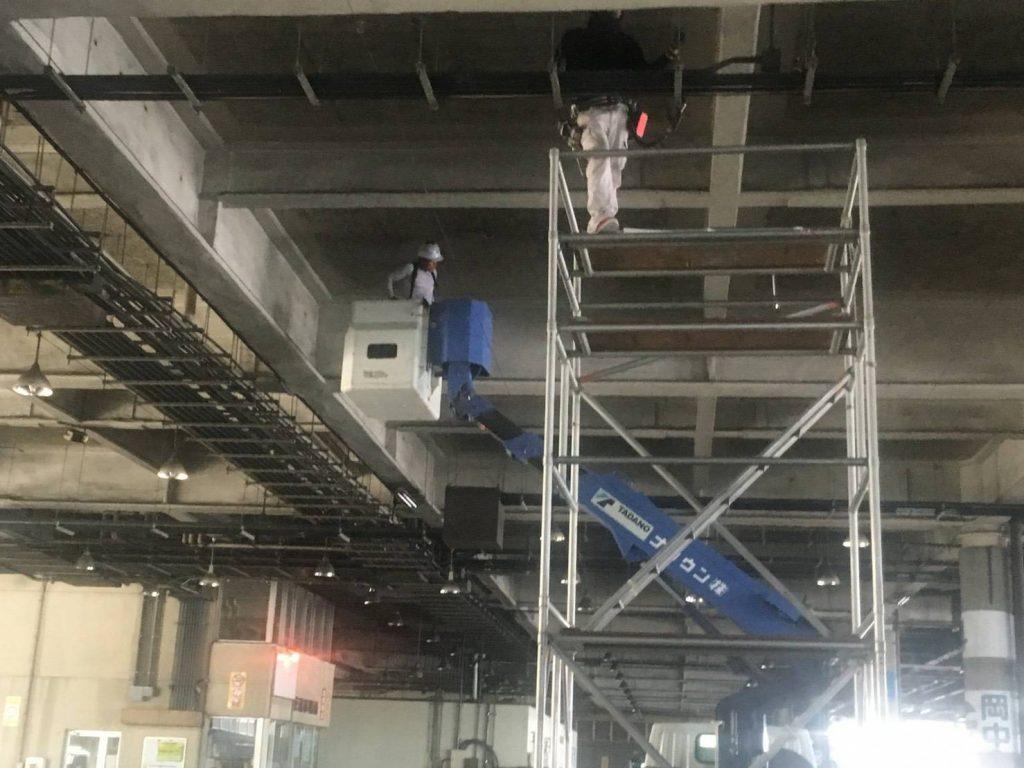 LED照明工事中